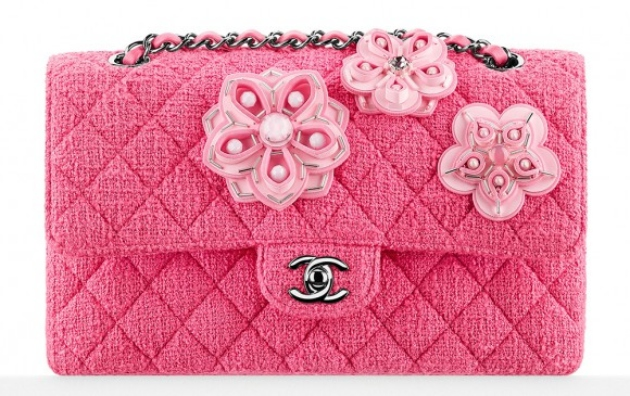 Chanel-Flower-Embroidered-Tweed-Classic-Flap-Bag-580x365