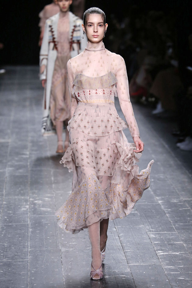 Valentino Ready to wear fall winter 2016 _17; Paris_march 2016_