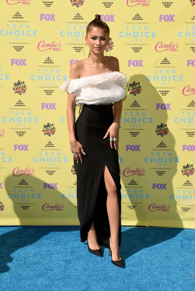 Zendaya-Teen-Choice-Awards-2015-Look